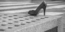 Schuh auf der Bank