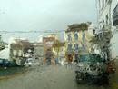 Gewitterregen im Auto