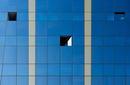 blau mit Linien und Fenster
