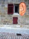 Fenster mit Ohr
